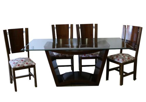 Jogo de mesa Imbuia com 6 cadeiras