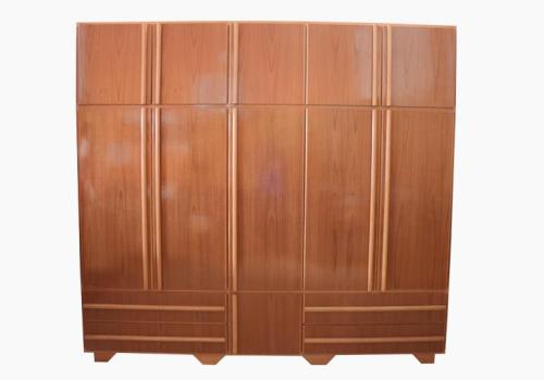 Guarda roupa 3 portas com 3 partes